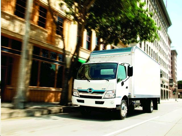 Where to find 15 FT ENCLOSED BOX TRUCK WITH LIFTGATE in Santa Ana